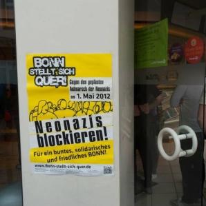 """""""Bonn planta cara. ¡A bloquear a los neonazis! Por un Bonn multicolor, solidario y en paz"""""""